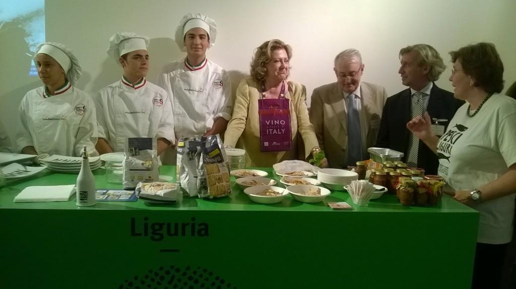 Gli alberghieri della liguria incantano i visitatori di expo con la cucina senza fornelli - Cucina senza fornelli ...